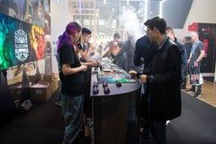 Internationell utställning för VAPEXPO av den elektronisk cigaretten och vap Arkivfoton