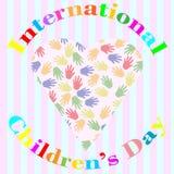 Internationella barns dagillustration med händer och förälskelse Royaltyfri Illustrationer