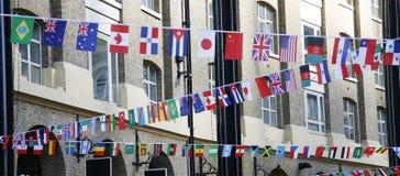 Internationella flaggor Arkivbilder