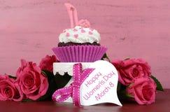 Internationella kvinnors dag, mars 8, muffin Royaltyfri Bild