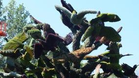 INTERNAZIONALE 2013 di MOSAICULTURES a entrata di Montreal, Quebec, Canada, Montreal: L'albero dell'uccello fotografia stock