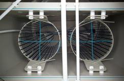 Interne regeling van biologische waterzuiveringsinstallatietank met filters Stock Afbeelding