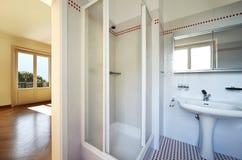 Internes nettes Badezimmer stockbilder
