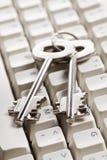 Internet.concept seguro con clave seguro y el teclado Imágenes de archivo libres de regalías
