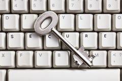 Internet.concept sicuro con il tasto sicuro e la tastiera Fotografia Stock Libera da Diritti