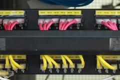 Internet conectado eje de la red grande con los cables LAN Fotografía de archivo libre de regalías