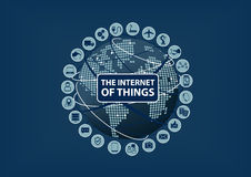 Internet delle cose (IoT) parola ed icone con la mappa di mondo e del globo Immagini Stock Libere da Diritti