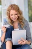 Internet-Einkaufen Lizenzfreie Stockfotos