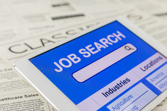 Internet em linha para a procura de emprego Foto de Stock Royalty Free