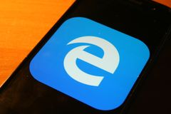 Internet Explorer logo app on Samsung phone screen. Rzeszow, Poland - 25/10/2018 - Internet Explorer logo app on Samsung phone screen stock photos