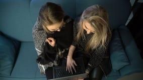 Internet-Technologiesocial media-Suchtlaptop stock video