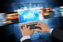 Internet- und Informationstechnologiekonzept lizenzfreie stockbilder