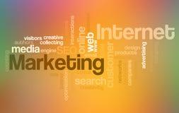 Internet y comercialización - nube de la palabra imágenes de archivo libres de regalías