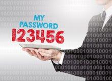 Internetowy hasło ochrony pojęcie Binarny kod z tekstem Mężczyzna trzyma pastylkę komputerowa Obrazy Royalty Free
