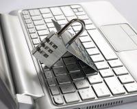 Internetowy zapłaty ochrony pojęcie (bezpiecznie transakcja) Kredytowa karta, kłódka Dane utajnianie, retai Fotografia Royalty Free