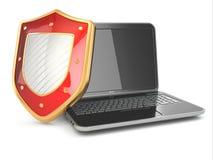 Internetsäkerhetsbegrepp. Bärbar dator och sköld. Arkivfoton