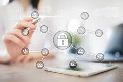 Internetsicherheits-, Datenschutz, Informationssicherheit und Verschlüsselung Internet-Technologie und Geschäftskonzept lizenzfreie abbildung