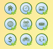 Internetsymbolsuppsättning, gräsplan och natur Royaltyfria Bilder
