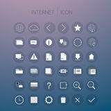 Internetsymbolsuppsättning på bakgrund Royaltyfri Bild
