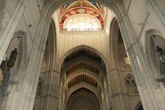 Interni della cattedrale di Santa Maria la Real de la Almudena, Madrid, Spagna Fotografia Stock Libera da Diritti