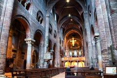 Interni della cattedrale - una chiesa di Roman Catholic Romanesque a Modena, Italia Fotografie Stock
