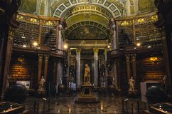 Interni dello stato Corridoio della biblioteca nazionale austriaca fotografia stock