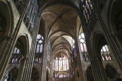 Interni e dettagli della basilica di St Denis, Francia Immagini Stock Libere da Diritti