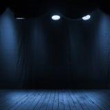 Interno blu scuro di scena con i riflettori Fotografia Stock Libera da Diritti