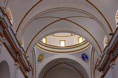 Interno coloniale spagnolo del tetto della chiesa fotografie stock libere da diritti