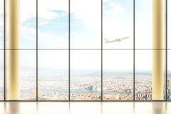 Interno con la vista della città Fotografia Stock