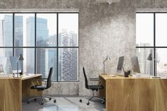 Interno concreto dell'ufficio dello spazio aperto, lato di legno Immagini Stock Libere da Diritti