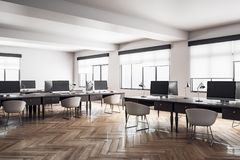 Interno coworking contemporaneo dell'ufficio royalty illustrazione gratis