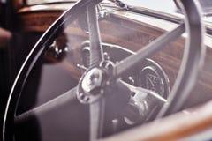 Interno d'annata caldo dell'automobile Fotografia Stock