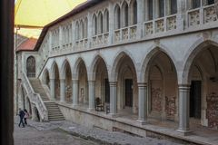 Interno del castello medievale di Corvin fotografia stock libera da diritti