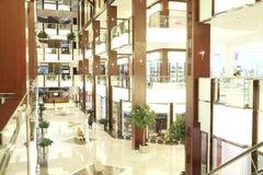 Interno del centro commerciale della città del croco Fotografia Stock