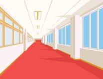 Interno del corridoio della scuola con il pavimento, le finestre e le colonne rossi Fotografie Stock Libere da Diritti