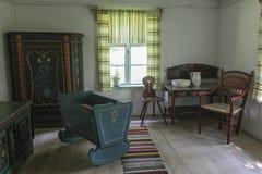 Interno del cottage del paese anziano in Olsztynek, Polonia Immagine Stock