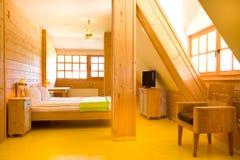 Interno del cottage di legno Fotografia Stock Libera da Diritti