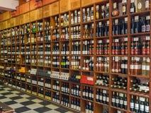 Interno del deposito di vino fotografia stock