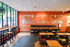 Interno del fast food del sottopassaggio Fotografie Stock Libere da Diritti