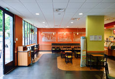 Interno del fast food del sottopassaggio Fotografia Stock