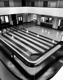 Interno del museo Sguardo artistico in bianco e nero Fotografie Stock Libere da Diritti