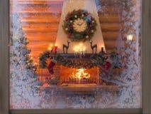 interno del nuovo anno dell'illustrazione 3D con l'albero di Natale, presente Fotografie Stock Libere da Diritti