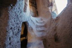 Interno dell'abitazione di caverna in Cappadocia La Turchia Immagine Stock