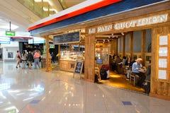 Interno dell'aeroporto di Dubai International Fotografia Stock