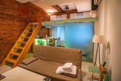 Interno dell'appartamento di studio moderno Fotografie Stock