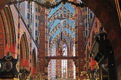 Interno della basilica del ` s di St Mary, Cracovia, Polonia Immagine Stock Libera da Diritti