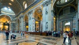 Interno della basilica di St Peter a Roma Fotografia Stock Libera da Diritti