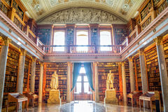 Interno della biblioteca di Pannonhalma in Ungheria Fotografie Stock Libere da Diritti