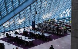 Interno della biblioteca pubblica di Seattle fotografia stock libera da diritti